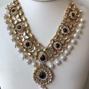 Jewelry - Gold plated pearl blue black bead necklace gorge
